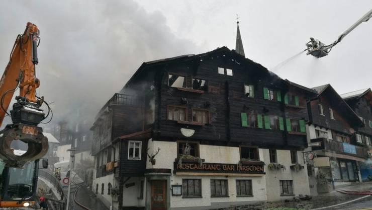 Am frühen Donnerstagmorgen ist im Hotel Hirschen im Oberwalliser Dorf Fiesch ein Brand ausgebrochen.