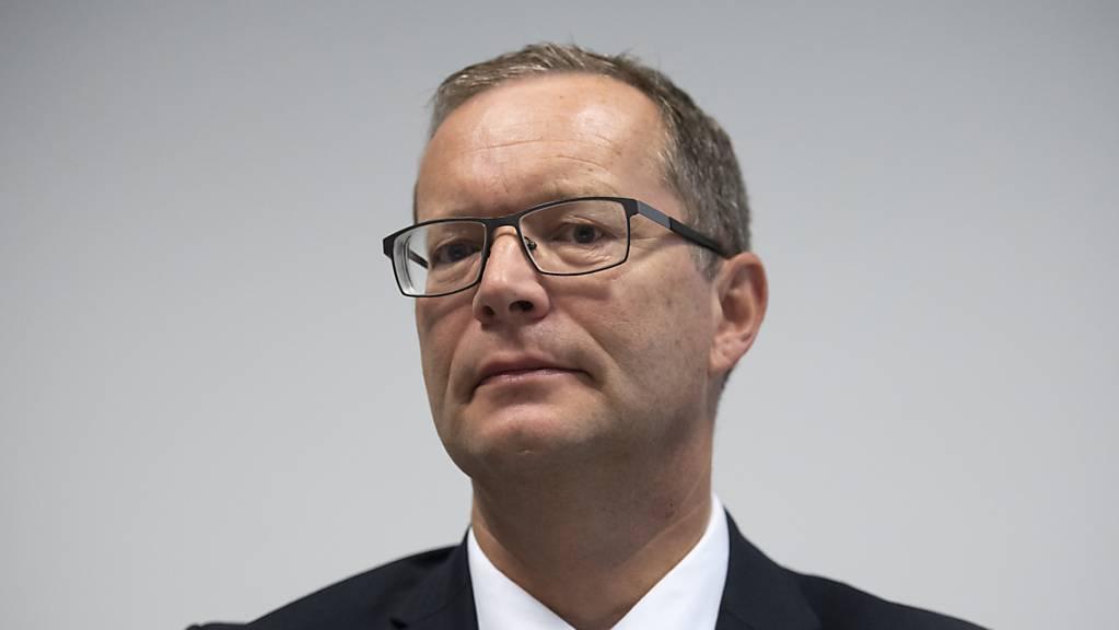 Regierungspräsident Walter Schönholzer rief die Bevölkerung am Mittwoch im Thurgauer Grossen Rat auf, nach den Corona-Lockerungen nicht übermütig zu werden, sondern die Regeln strikt einzuhalten (Archivbild).