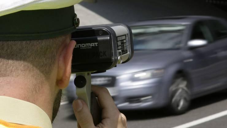 Die Polizei Basel-Landschaft führte in Delsberg eine Radarkontrolle durch. (Symbolbild)