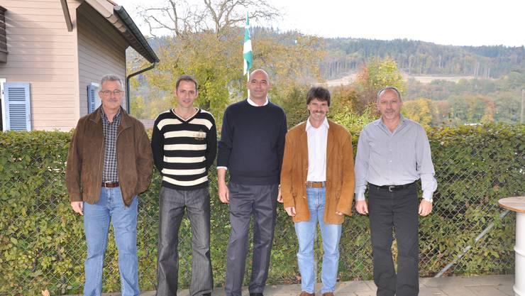 Gemeinderat Sisseln: Urs Schmid (Vizeammann), Marcel Würsten, Rainer Schaub (Gemeindeammann), Peter Widmann und der neu gewählte Kurt Bächtold (v. l.). (dvk)