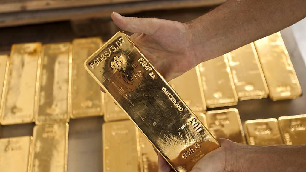 Die Schweiz will die Transparenz und Rückverfolgbarkeit im internationalen Goldhandel verbessern. (Archivbild)