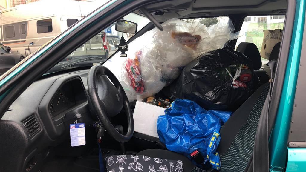 Abfallsäcke versperren Sicht – Polizei erstattet Anzeige