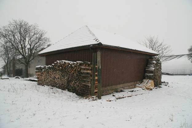 Birrhard: Brennholz-Beigen