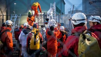 Greenpeace-Aktivisten überwanden im April 2014 den Schutzzaun des Kernkraftwerks Beznau und forderten die sofortige Stilllegung der Anlage.