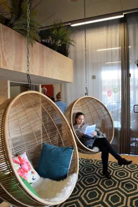 Viel Licht, viel Holz, viel Grün im neuen Coworking-Space