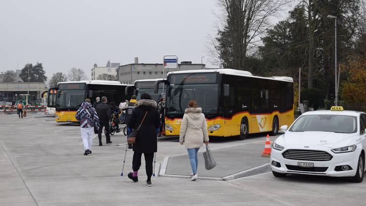 Umstellung: Seit Montag fahren die meisten Buslinien und Taxis wieder ab dem Bahnhofplatz.