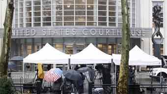 """Unter strengsten Sicherheitsvorkehrungen hat am Dienstag in New York der Prozess gegen den mexikanischen Drogenboss """"El Chapo"""" begonnen."""