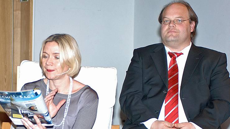 Ansagerin Corinne Bächtold und Dirigent Peter Streit.