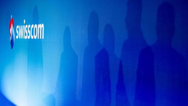 Die Swisscom-Angestellten erhalten ab April mehr Lohn.