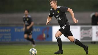 Nico Stadelmann und der FC Mutschellen konnten mit einem 4:1-Sieg gegen Verfolger Wettingen ihre Tabellenführung festigen.