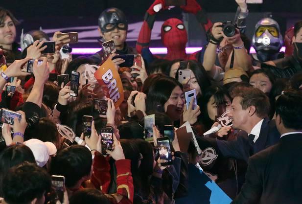 «Avengers»-Star Jeremy Renner (zweiter von rechts) an einem Promotionsanlass.