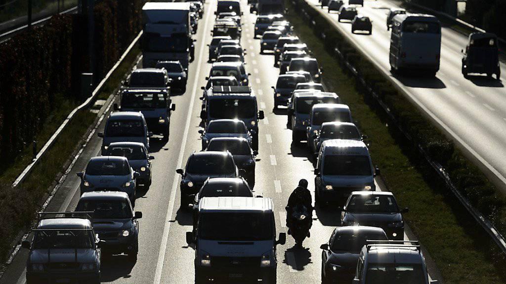 Die Schweiz rückt im europäischen Verkehrsstau-Ranking in die Top 5 vor. (Symbolbild)