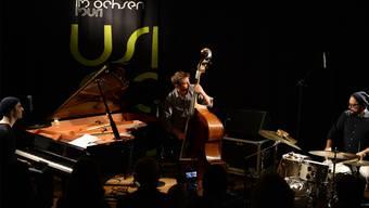 Das Florian Favre Trio spielte aussergewöhnliche Soli, die Musiker fokussierten sich auf das Zusammenspiel.