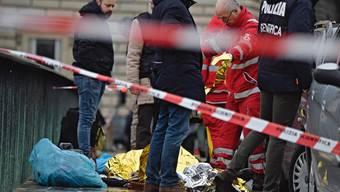 Rentner in Florenz schiesst wild um sich und tötet einen Afrikane