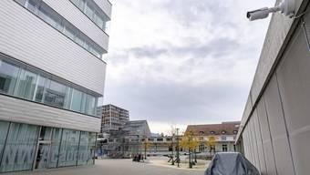 Bitte lächeln! 57 Kameras zeichnen neuerdings auf, was rund um die HGK auf dem Dreispitz-Areal so läuft, wenn die Studierenden nicht da sind.