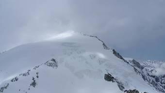 Sieben von insgesamt 14 Skitourengänger starben im April 2018 beim Bergdrama von Arolla VS. Weil sich das Wetter plötzlich verschlechterte, irrten sie stundenlang im Sturm umher und fanden ihr Nachtquartier nicht. (Archivbild)