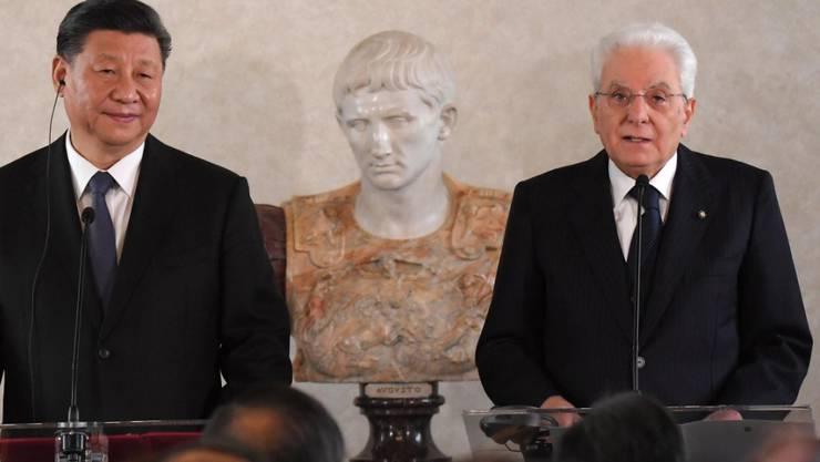 Der italienische Staatspräsident Sergio Mattarella hat seinen chinesischen Amtskollegen Xi Jinping im Quirinalspalast empfangen.