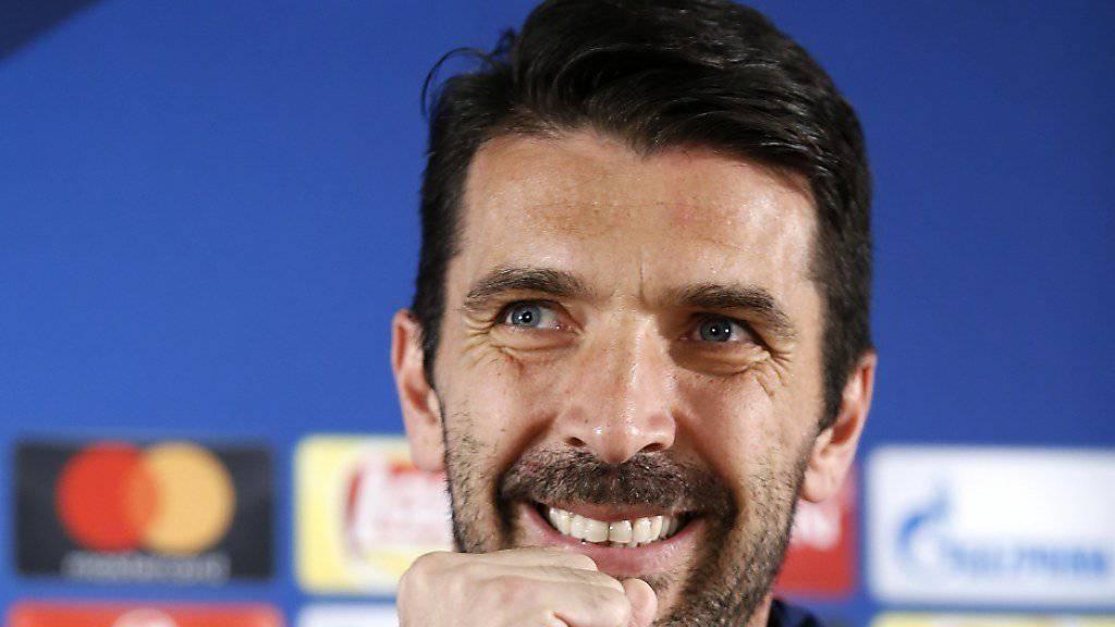 Juventus-Goalie Gianluigi Buffon freut sich auf das Duell mit dem erst 18-jährigen Monaco-Topskorer Mbappé.