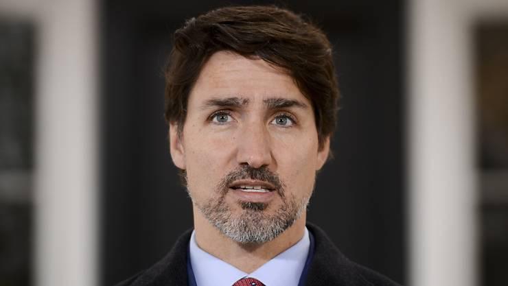ARCHIV - Justin Trudeau, Premierminister von Kanda, spricht vom Rideau Cottage in Ottawa aus zu Kanadiern über die Coronavirus-Situation. (zu dpa «Trudeau: Grenze zwischen Kanada und USA wegen Corona wohl weiter zu») Foto: Sean Kilpatrick/The Canadian Press/AP/dpa