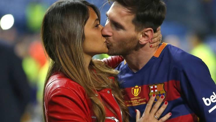 Fussballer Lionel Messi und seine langjährige Freundin Antonella Roccuzzo heiraten - und eine ganze Stadt spielt verrückt. (Archivbild)