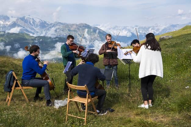 Das waren noch bessere Zeiten: 2019 konnten Künstler am Festival vor eindrücklicher Kulisse spielen.