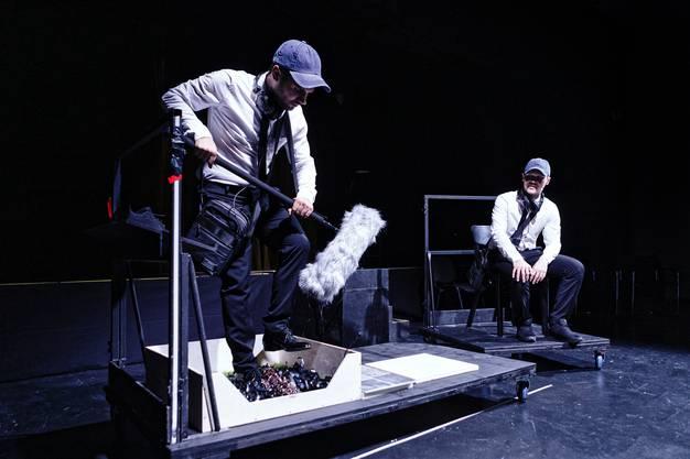 In «Walk the Walk» wird die Bühne zum Instrument. Bild: Gianmarco Bresadola
