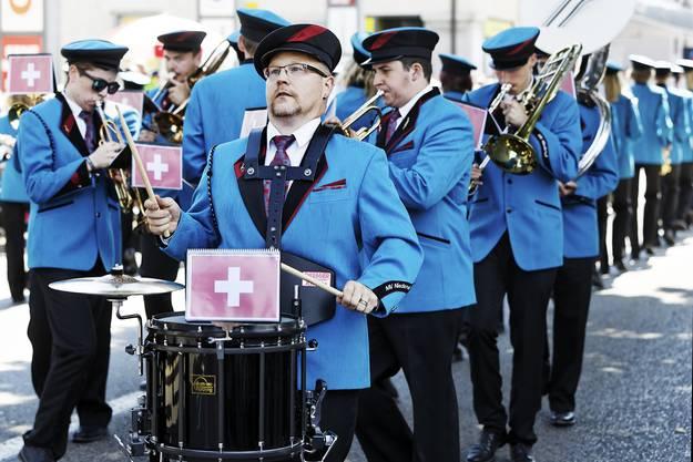 32. Aargauisches Kantonales Musikfest Ohren auf! Beim Musikverein Niederwil ging es um Fussball: Schweiz 1:1 Deutschland.