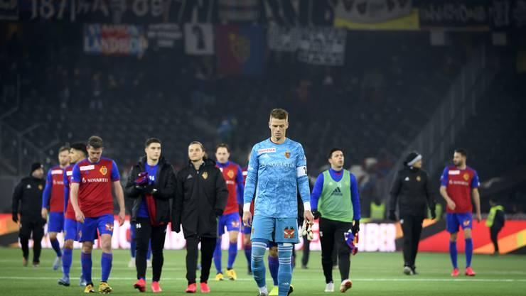 FCB-Torhüter Jonas Omlin kritisiert nach dem 0:2 zum Rückrundenauftakt gegen YB Kollege Omar Alderete für dessen Platzverweis. Nach der Niederlage hat der FCB acht Punkte Rückstand auf das Leaderduo YB und St. Gallen.