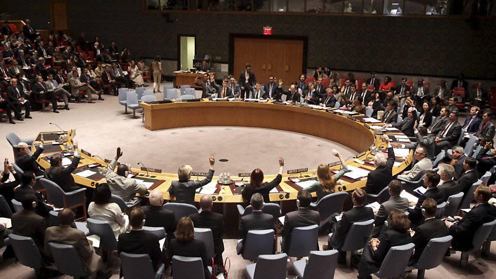 Der Uno-Sicherheitsrat fordert eine Waffenruhe in Libyen. Die Konfliktparteien müssten sich um eine politische Lösung bemühen und Hilfsorganisationen Zugang gewähren. (Archivbild)