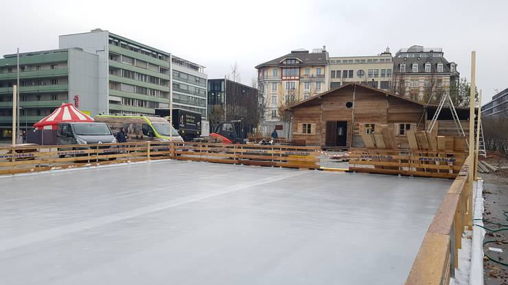 Die Eisbahn ist schon bereit für die baldige «Schlööf»