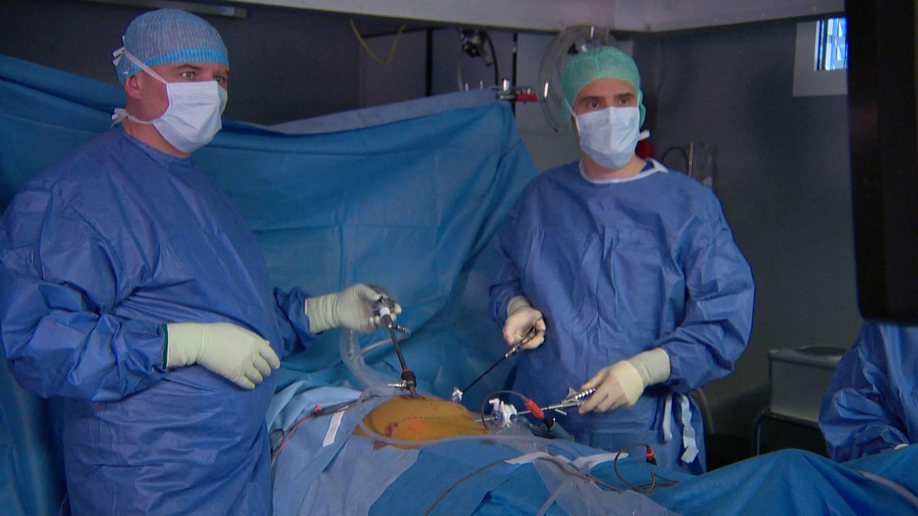 Minimalinvasiver Eingriff bei Leistenbruch