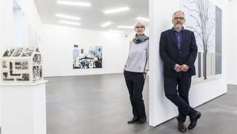 Der Künstler Kotscha Reist mit Claudine Metzger, der neuen Leiterin des Kunsthauses Grenchen.