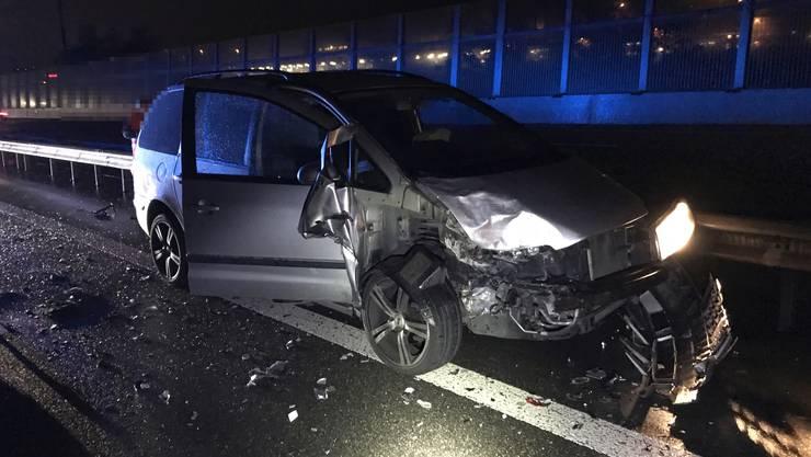 Auf der A1 in Fahrtrichtung Bern krachte eine Neulenkerin in zwei langsam vor ihr rollende Autos.
