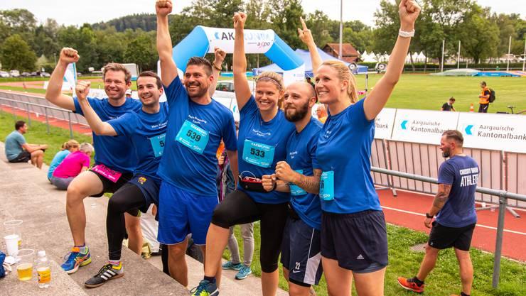 Traumhaftes Wetter und ein neuer Leader: Start zum AKB Run mit Läuferrekord in Aarau