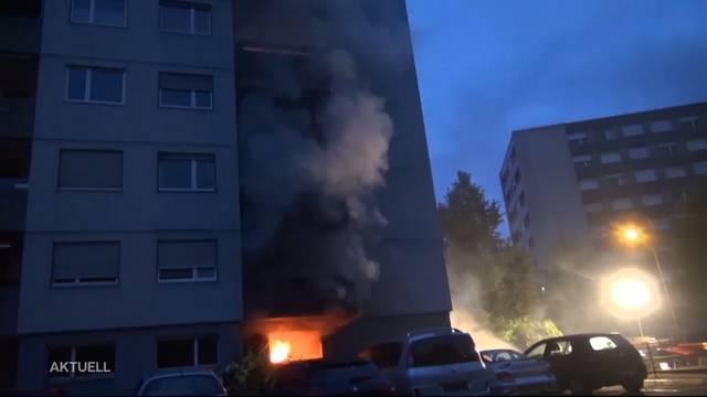 50 Personen im Spital nach Hochhausbrand in Brügg