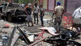 Bild der Verwüstung am Montag nach dem Anschlag in Aden.