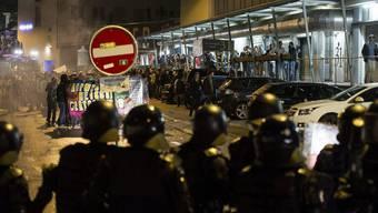 An der Tanzdemo standen im September 2013 linke Demonstranten der Polizei gegenüber. Die Bilanz am Ende: 100 Verhaftungen, ein Dutzend Verletzte.