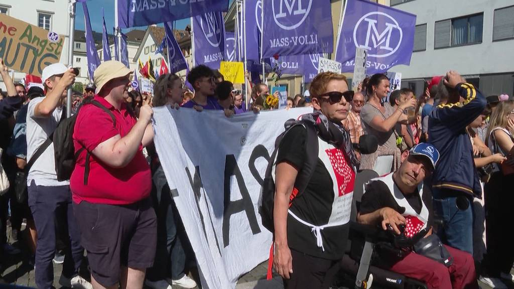 Corona-Demo: Nach den Ausschreitungen in Bern demonstrieren heute tausende in Winterthur