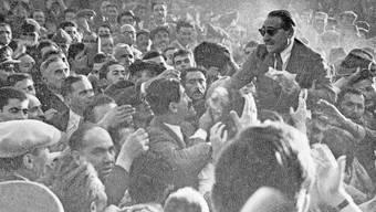 Adnan Menderes regierte die Türkei von 1950 bis 1960. Dann wurde er weggeputscht und gehängt.