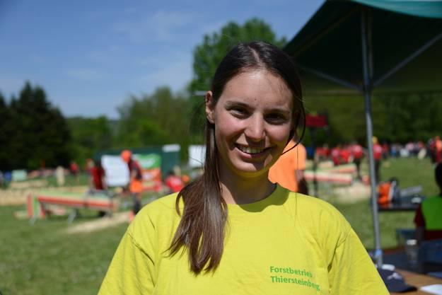 """Die 23-Jährige Försterin Kyra Stolp vom Forstamt Thiersteinberg sagt: """"Ich habe meine Passion gefunden."""""""