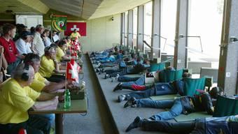 Am Zürcher Kantonalschützenfest werden hinter jedem Schützen viele Helfer stehen, so wie beim Aargauer Fest 2004.