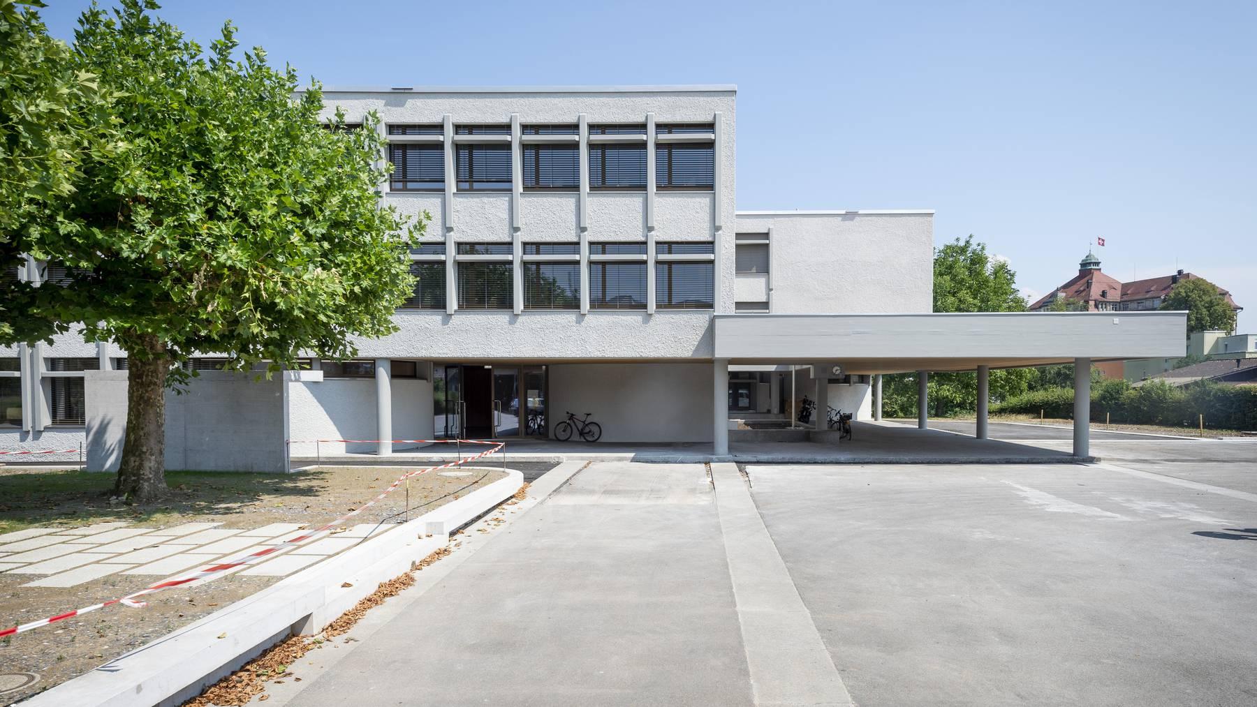 Schulhaus Rosenau Gossau
