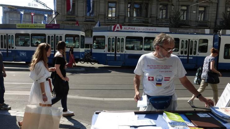 Am 10. September 2016 haben wir an der Bahnhofstrasse in Zürich eine Informationsaktion zum Tag der Deutschen Sprache durchgeführt.