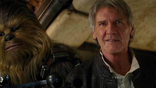 Szene aus dem neuen Star-Wars-Film: Harrison Ford mit Chewbacca