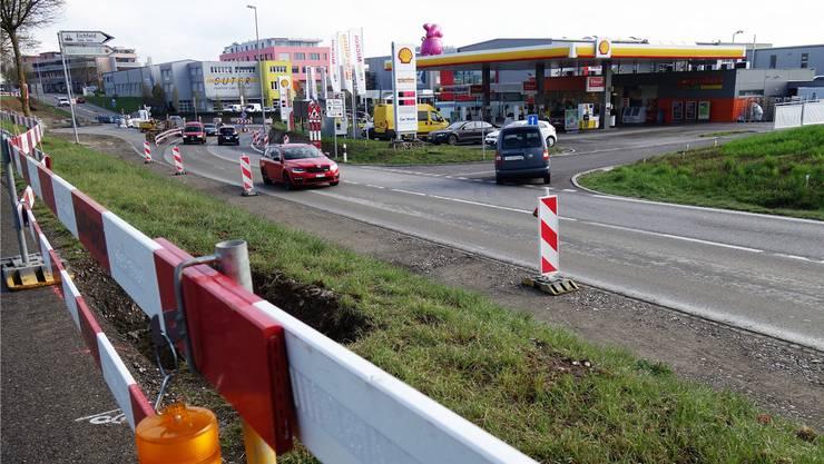 Ab Kantonsstrasse K125, der Luzernerstrasse, soll das Gewerbegebiet Süd in Sins via Erschliessungsstrasse Eichfeld besser zugänglich werden. Eddy Schambron