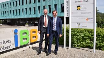 Freuen sich über das gute Geschäftsergebnis: Martin Sacher, Präsident des Verwaltungsrats (links), und Eugen Pfiffner, CEO IBB Holding AG.