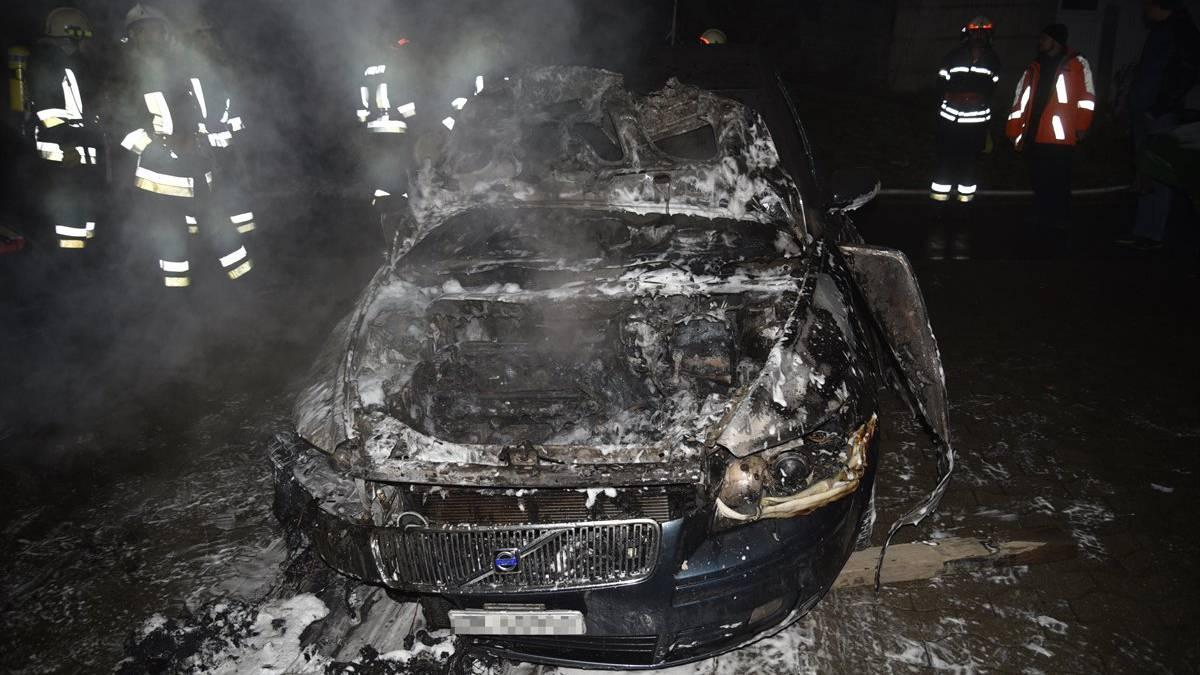 Der Volvo war nicht mehr zu retten.