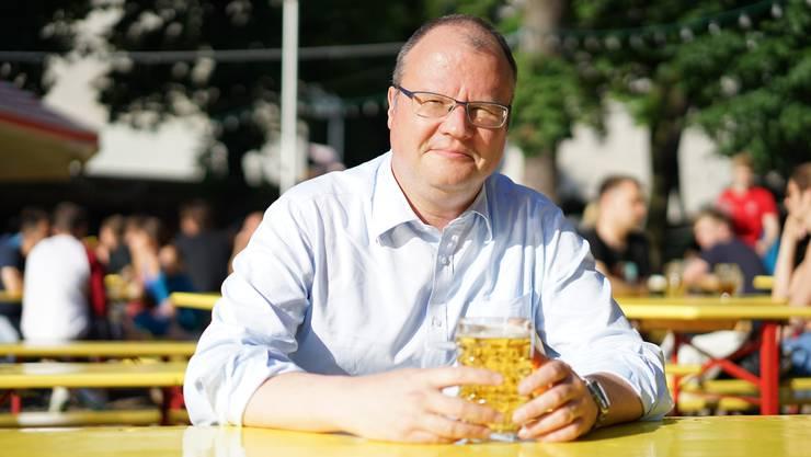 Mit Matthias Zimmermann auf ein kühles Helles im Biergarten «Prater», statt auf einen Kaffee.