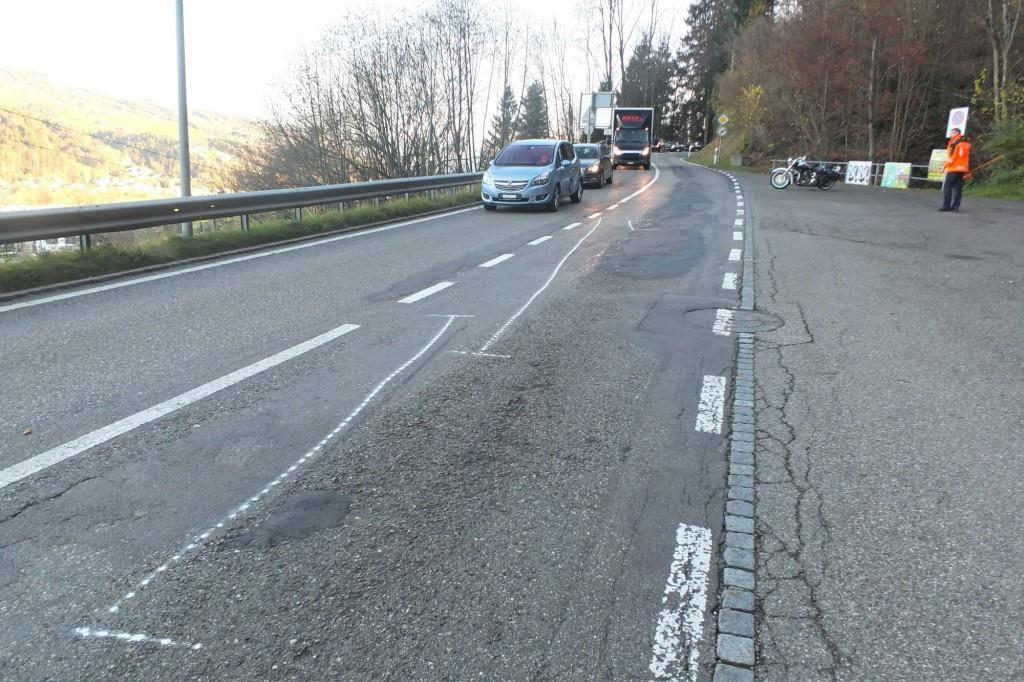 Bilder vom Unfallort (© Kapo St.Gallen)