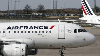 Im Heimmarkt Frankreich schreibt Air France Verlust. Nun streicht die Fluggesellschaft bis zu 465 Stellen.(Archivbild)